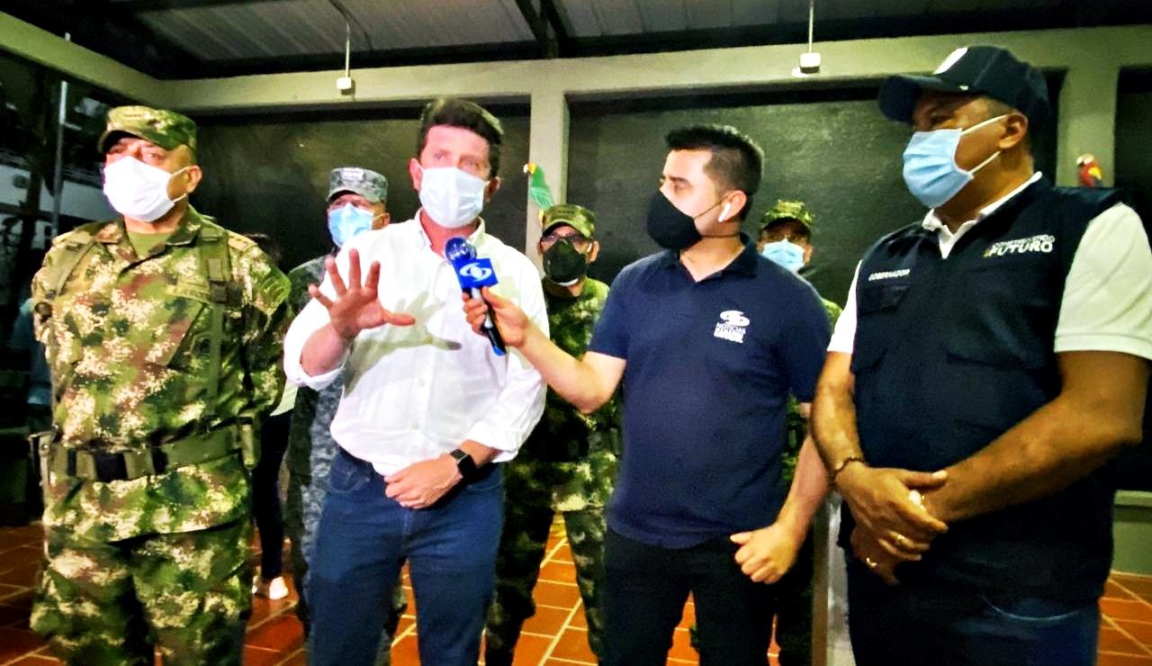 El ministro de Defensa, Diego Molano Aponte desde Arauca.
