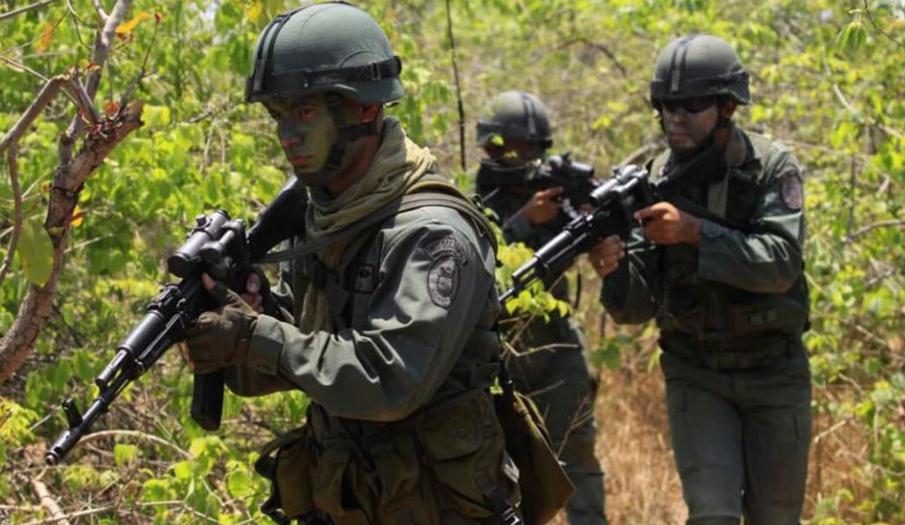 3 militares venezolanos fueron dados de baja y otros más están en peligro por la emboscada de las FARC , en Apure.