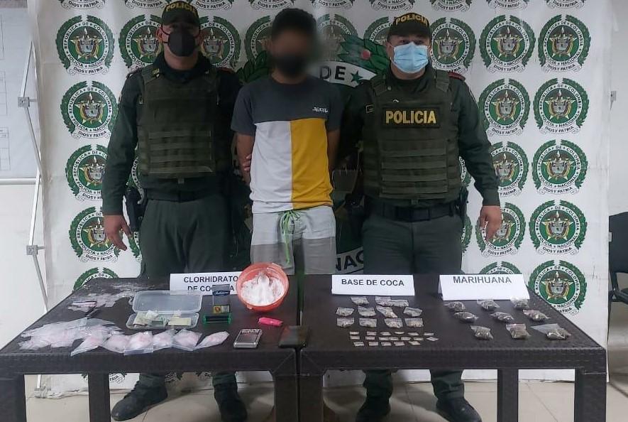 CON TODA UNA VARIEDAD DE ESTUPEFACIENTES POLICÍA NACIONAL CAPTURÓ A UN HOMBRE