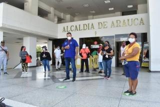 Alcaldía de Arauca inició carnetización a vendedores ambulantes