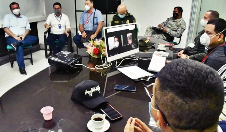 Consejo de Seguridad en el despacho del alcalde de Arauca, Edgar Tovar.